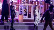 Les Kids de The Voice accueillent les animateurs et chantent Noël devant le cube