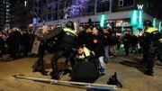 Affrontements entre la police et des manifestants pro-Erdogan, à Rotterdam, après l'expulsion de la ministre turque de la Famille