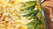 Recette : clafoutis salé aux asperges vertes, amandes et parmesan
