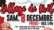 Le Père Noël en calèche dans le village de Freux (Libramont)...