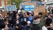 Les supporters de Chelsea protestent contre la Super League, le club pourrait déjà quitter la compétition