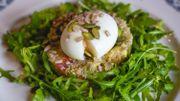 Salade de quinoa aux œufs mollets