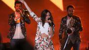 Typh Barrow sur la scène des D6bels Music Awards