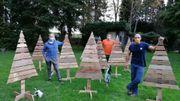 Il construit 200 sapins en bois au profit de Viva for Life