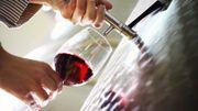Les vins français continuent à plaire à l'étranger, mais les espagnols montent à l'assaut