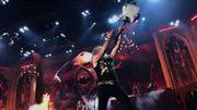 [Zapping 21] Quand le guitariste d'Iron Maiden jette accidentellement son instrument dans le public