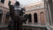 Une oeuvre monumentale de l'exposition vénitienne de Damien Hirst s'installe à Las Vegas