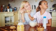 Comment nos parents influencent-ils notre relation à la nourriture ?