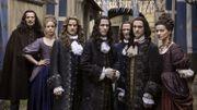 """Découvrez à quoi ressemblent les acteurs de """"Versailles"""" en vrai !"""