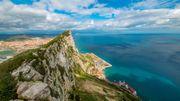 """Gibraltar devenue une """"oasis"""" grâce à une vaccination massive"""