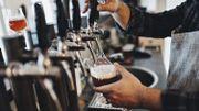 Voici le nombre de bières qu'il faudrait consommer pour aider l'Horeca