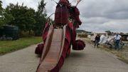 Huy: une femelle dragon de 12 mètres au Festival des arts de la rue