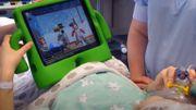 Rassurer les enfants qui entrent au bloc opératoire avec un jeu vidéo au CHR de Liège
