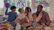 "Alanis Morissette reprend ""Happy Xmas (War Is Over)"" de John Lennon et Yoko Ono"