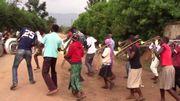 Magnifique reprise d''Uptown Funk' par des jeunes écoliers ougandais