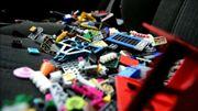 A Londres, les enfants amènent leurs briques de Lego à l'artiste Weiwei