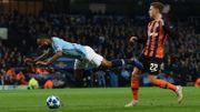 Sterling présente ses excuses pour avoir provoqué un penalty imaginaire