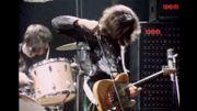 En1969, Jimmy Page jouait de sa Telecaster 'Dragon'… avec un archet