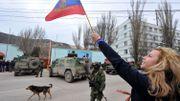 Une manifestante pro-russe, à  Balaklava, près de Sébastopol
