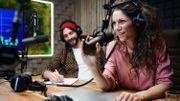 Assistant(e) au journal parlé en radio: découvrez les dessous de ce métier au cœur de l'info