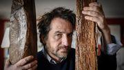 """Edouard Baer, """"plus près de toi"""" à la radio, à la télé, au café"""
