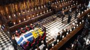 Tout de noir vêtus, la trentaine d'invités a assité pendant 50 minutes à l'hommage religieux rendu au duc d'Edimbourg