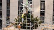 L'étoile Swarovski reprend sa place au sommet du sapin du Rockefeller Center