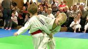 Même si la pratique du judo, sport de contact par excellence, est autorisée pour les moins de douze ans, de nombreux parents ont fait part de leurs craintes ces derniers mois.