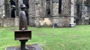 Dans l'œil de Folon avec une exposition de sculpture au cœur de l'Abbaye de Villers-la-Ville