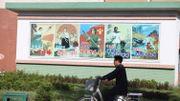 Malgré la propagande et une chape de plomb sur les médias, les nord-Coréens obtiennent des informations de l'étranger, et regardent des films sud-coréens sur des clés USB.