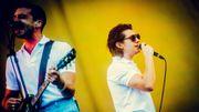 Vidéos: The Last Shadow Puppets improvisent des chansons sur Arcade Fire, Tame Impala, LCD Soundsystem