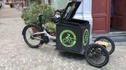 Son vélo cargo, une fois rempli, pèse environ 100 kg.