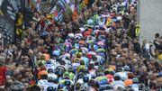 Les coureurs dans la raide montée de Saint-Roch