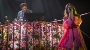 """Avant de chanter avec Flume, Tove Lo dévoile sa """"robe utérus"""""""