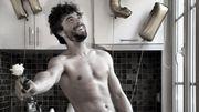 """Agustin Galiana de """"Clem"""" pose nu pour ses fans"""