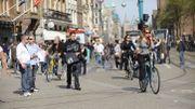Face aux piétons, la révolte des cyclistes gronde à Amsterdam