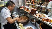 Le restaurant de rue sacré par le Michelin à Singapour est victime de son succès