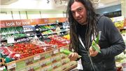 Korn avec un caddie de... maïs!