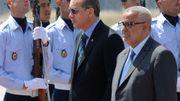 Le premier ministre turc s'est envolé lundi pour le Maroc, où il a été reçu par son homologue marocain Abdelilah Benkirane