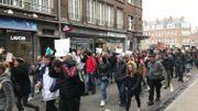 Le cortège de 400 étudiants parcourt les rues de Namur.