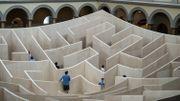 """Une """"forêt"""" en papier pour renouer le dialogue dans un musée de Washington"""