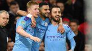 City prend une option sur la finale de Coupe de la Ligue contre United, De Bruyne brille... puis voit des étoiles