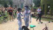 Près de 300 cyclistes nus parcourent Bruxelles pour dénoncer pollution et insécurité