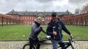 Fanny enfourche son vélo à Gembloux
