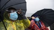 De la pluie sur les rives du lac Villarrica à Pucon au Chili