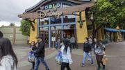Californie : même sans attractions, Disneyland attire des centaines de fans