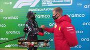 """Lewis Hamilton, très ému, reçoit le casque de Michael Schumacher: """"Je n'aurais jamais pensé l'égaler"""""""