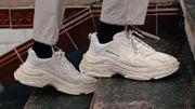"""""""Dad Sneakers"""", les énormes baskets qui font fureur !"""