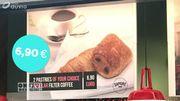 Pourquoi manger à l'aéroport coûte toujours beaucoup plus cher?