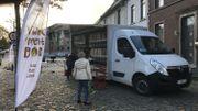 L'épicerie nomade installée sur la place d'Arquennes